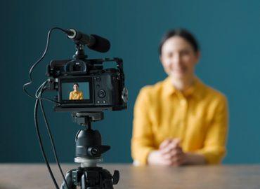 Vlog là gì? Cách để trở thành một vlogger và kiếm tiền từ vlog như thế nào?